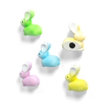 Kaniner i fine pastelfarver - køleskabsmagneter. Fra Trendform.