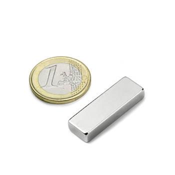 Power magnet, Blok 30x10x5 mm. Fra Magnetz.