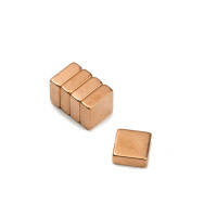Kobbermagnet af neodymium 10x10x4 mm.