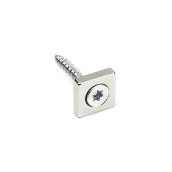 Firkantet neodymmagnet med undersænket hul til skrue 15x15x4 mm.